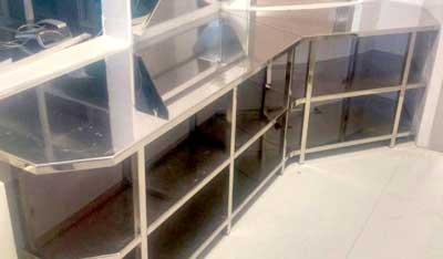 mobiliario clinico en acero inoxidable