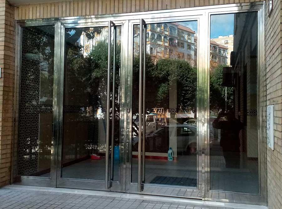 Puertas de Acero Inoxidable Sevilla
